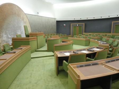 261年度 決算を認定!!(9月定例議会最終日)