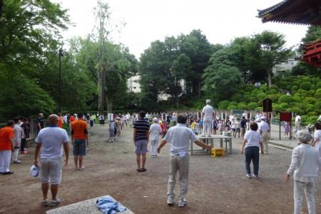 夏季ラジオ体操会がスタート。(根津神社にて・・・)