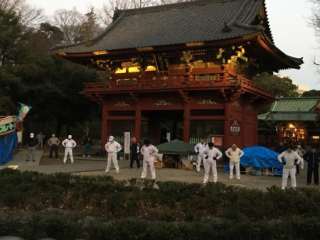あけまして おめでとうございます!!(根津神社にて・・・)
