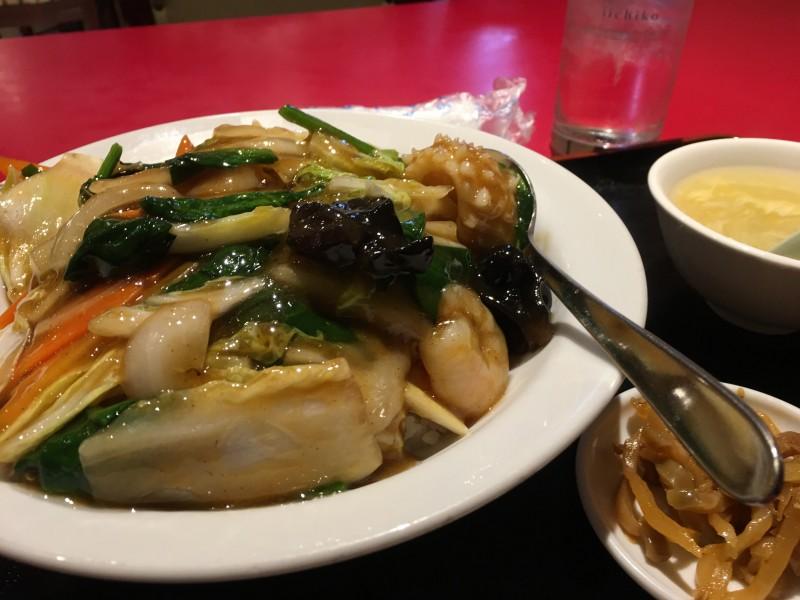 蓬莱春の中華丼